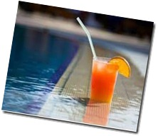 sun-pool-drinks