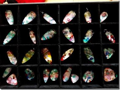 200 -pendants