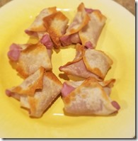 berry-cream-cheese-wontons